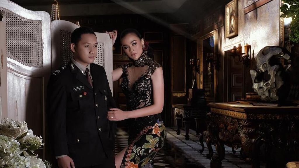 Foto: Gaya Glamor Puteri Indonesia Kezia Warouw saat Dinikahi Polisi