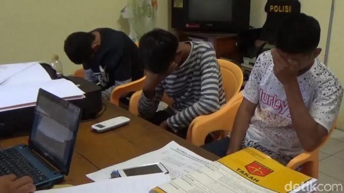 Pemuda yang hina Jokowi Kafir (Deni/detikcom)