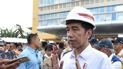 Perempuan yang Terobos Konvoi Jokowi Juga Tabrak Polisi