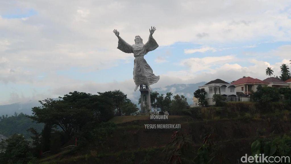 Patung Yesus Memberkati, Landmark Kerukunan Kota Manado