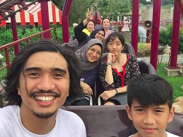 Duta dan Adel dikaruniai dua anak yaitu Aisha dan Bima. (Foto: Instagram/ @shadjo04)