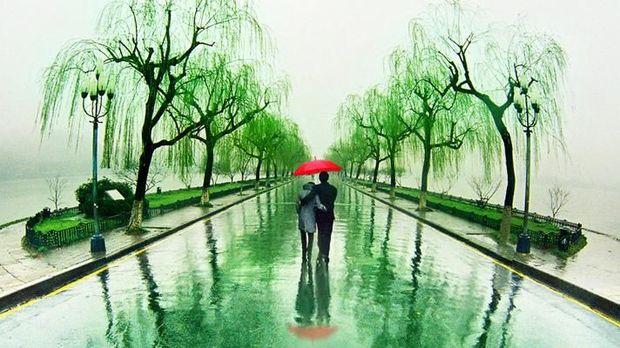 Ada banyak jalur pejalan kaki yang indah (Hangzhou Travel)