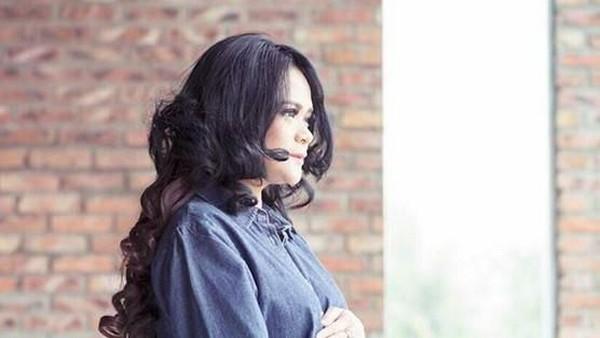 Shezy Idris Hanya Ingin Hak Asuh Anak dan Cerai dari Suami