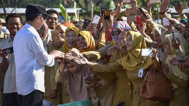 Merespons Prabowo dalam Debat Capres: Gaji Bukan Jawaban