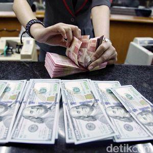 Dolar AS Masih Betah di Rp 15.210