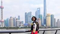 Rasanya belum sah ya ke Shanghai kalau tak berkunjung ke sini, The Bund Shanghai. (jourdandunn/Instagram)