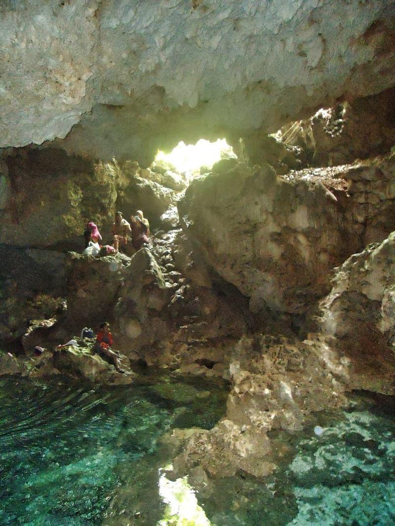 Ini adalah Gua Air Putri di Negeri Kulur, Kecamatan Saparua, Maluku Tengah. Nama Gua Air Putri berdasark   an cerita rakyat tentang tempat Putri Pelangi turun dan mandi di dalam gua tersebut. (Muslimin Abbas/detikTravel)
