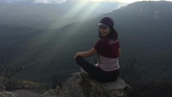 Duh, siapa sih yang nggak terpesona cantiknya Tatjana Saphira? Seleb tanah air yang tenar hingga ke negara ginseng ini rupanya sangat menggemari yoga, lho.