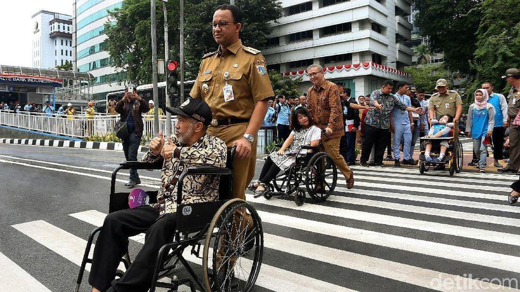 Resmikan Pelican Crossing Halte BI, Anies: Jakarta Ramah bagi Semua