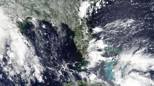 Badai Tropis Gordon Akan Hempas Florida
