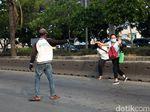 Viral Video Motor Jatuh Akibat Orang Menyeberang, Ini Imbauan Polisi