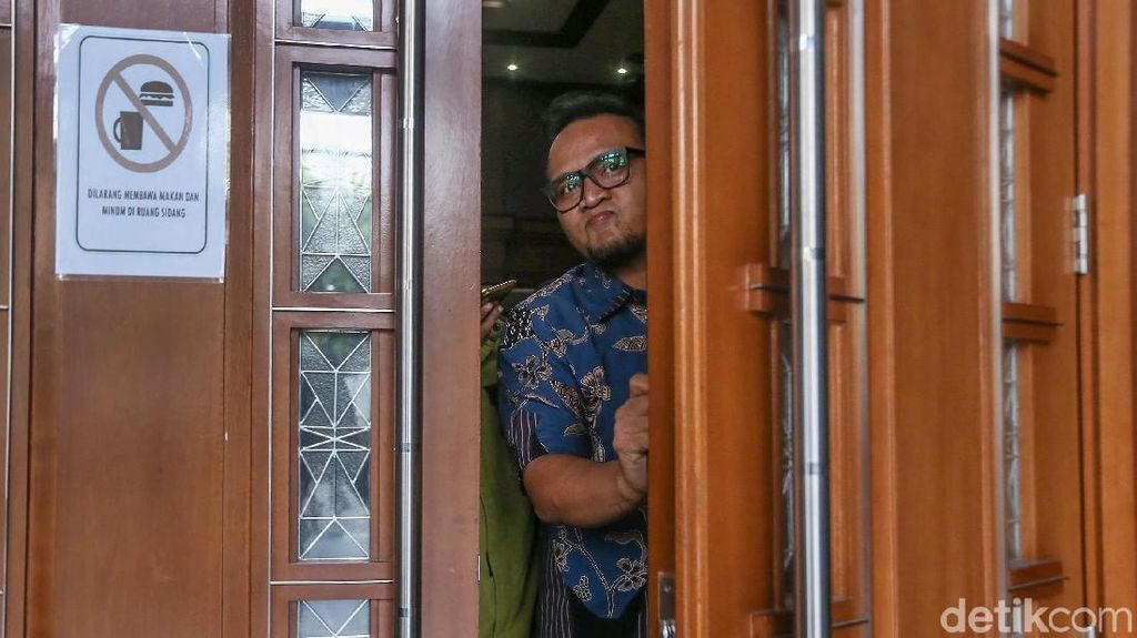 Ponakan Novanto Akui Antar Duit e-KTP ke Anggota DPR