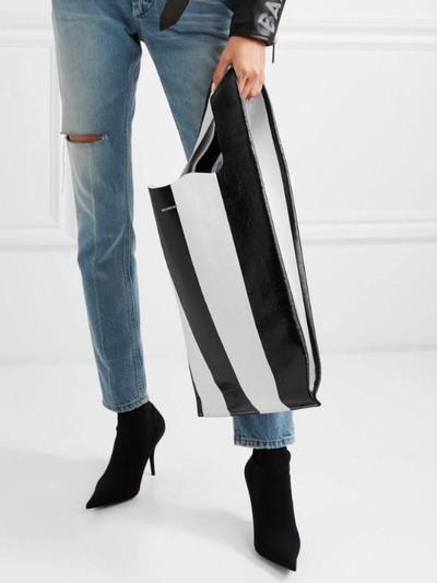 Tas baru Balenciaga yang mirip kresek. Foto: Dok. Balenciaga