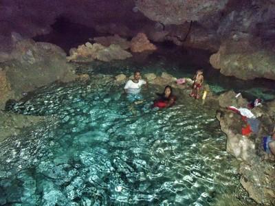 Indahnya Gua Tempat Putri Pelangi Mandi di Ambon