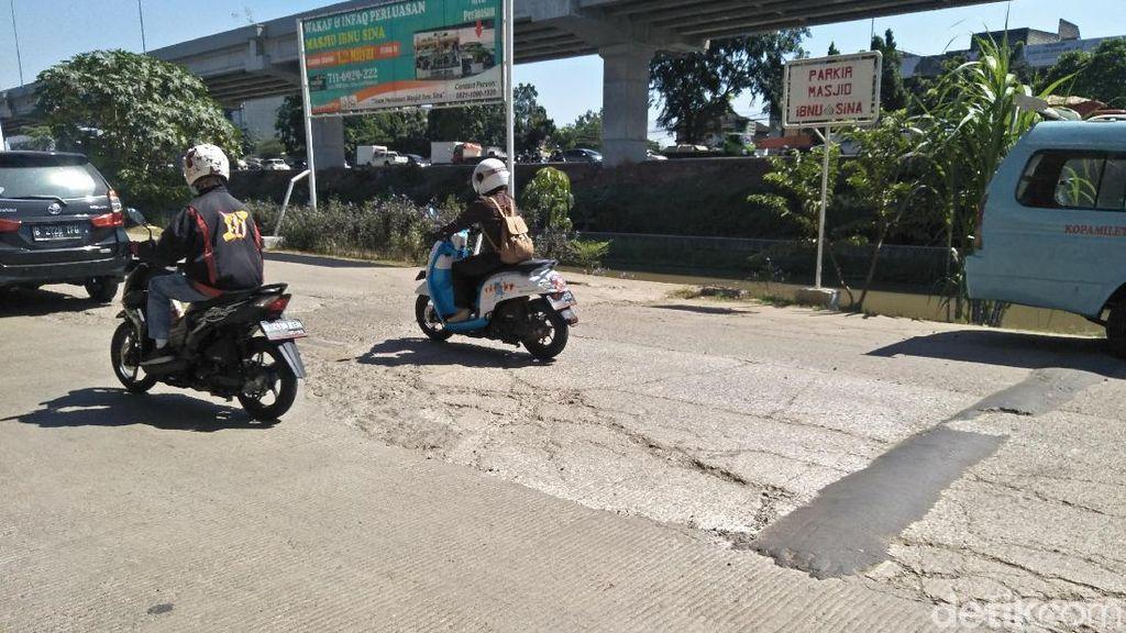 Selain Hancur, Jalan di Kalimalang Minim Pencahayaan