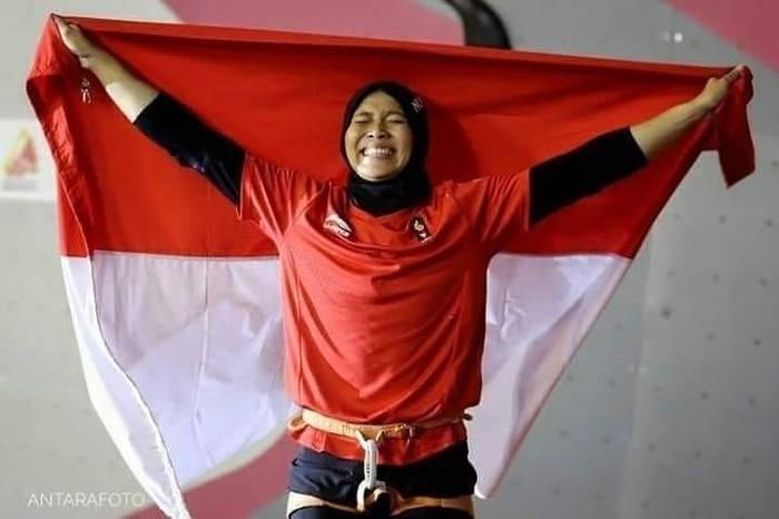 Aries Susanti Rahayu, anak dari mantan TKI yang berprestasi dalam cabang olahraga panjat tebing di Asian Games 2018. Foto: Instagram/aries_susanti