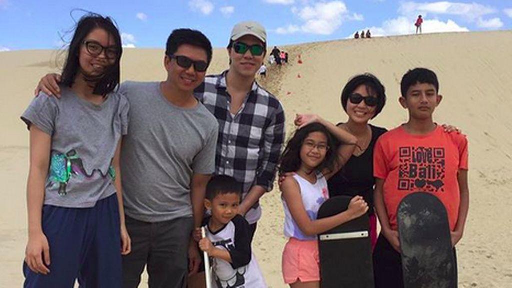 Jarang Muncul di TV, Begini Kebersamaan Keluarga Lusy Rahmawaty