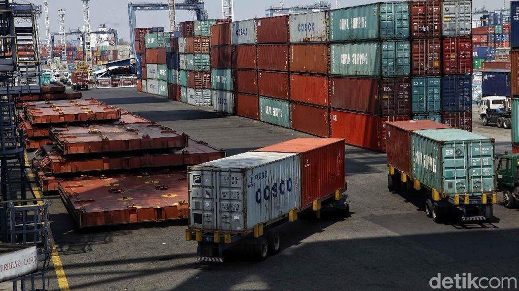 Ekonom: Tak Ada Negara yang Bisa Lepas dari Impor
