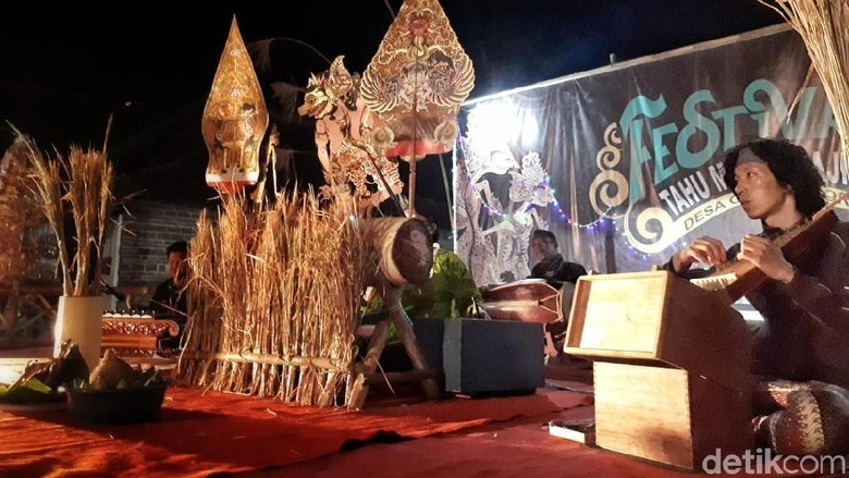 Bersih Desa, Warga Gelar Wayangan Kolaborasi dengan Seniman Jepang