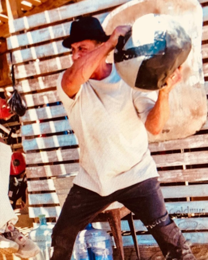 Di usia 72 tahun Stallone tampaknya masih belum ingin berhenti berkarya. Ia mengaku tengah mempersiapkan diri untuk film Rambo 5. (Foto: Instagram/officialslystallone)
