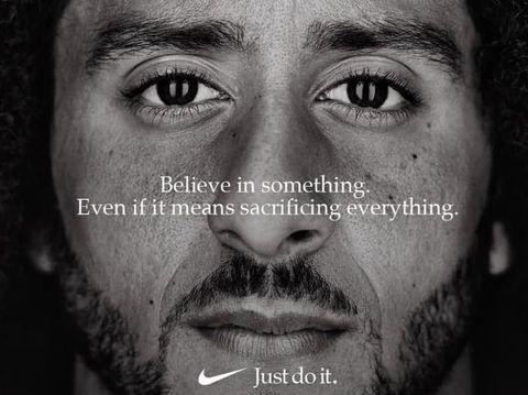 Iklan Nike yang menampilkan atlet kontroversial Colin Kaepernick.