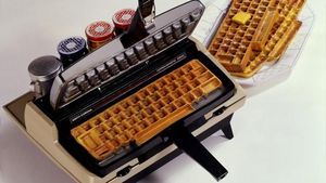 Dari Bentuk Keyboard hingga Tapak Sepatu, Ini 5 Panggangan Waffle Unik
