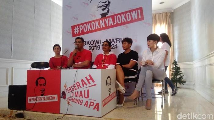 Wanda Hamidah hingga Dira Sugandi ikut deklarasi mendukung Jokowi-Maruf Amin. (Bil Wahid/detikcom)