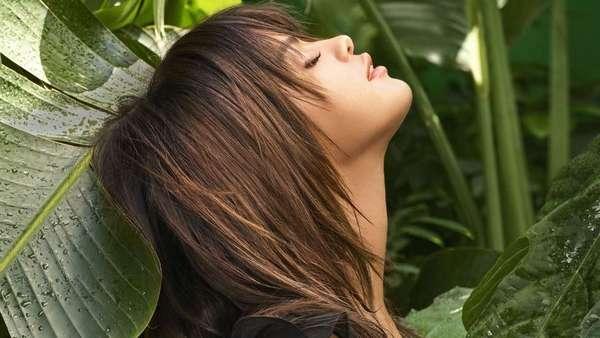 Selena Gomez Tampil Super Seksi di Cover Majalah