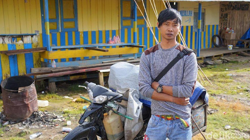 Perjuangan Pedagang di Pegaf, Masuk Jurang Hingga Ditembak