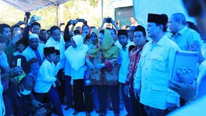 Prabowo ke Lombok Bareng Titiek dan Didit, Sandiaga Senang