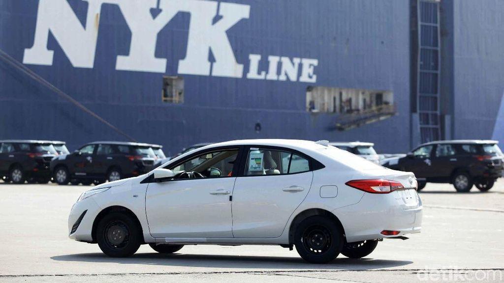 Pemerintah Genjot Produksi Mobil Sedan