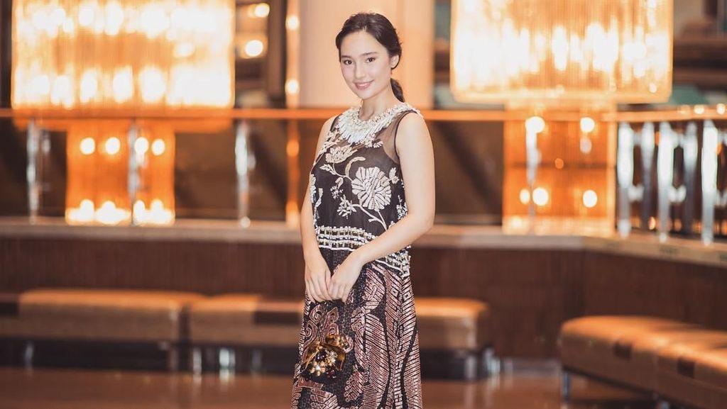Cantiknya Tatjana Saphira Saat Raih Penghargaan di Seoul, Pakai Tenun Sumba