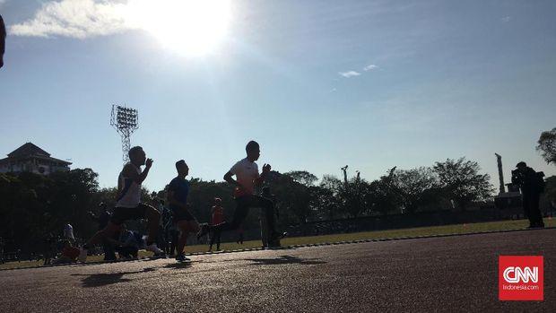 Para atlet lari Indonesia untuk berlaga di Asian Para Games 2018 tengah berlatih. (