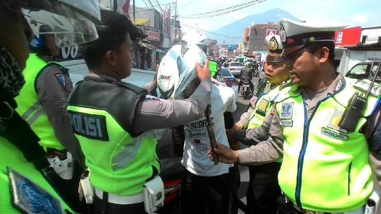 Razia Begal, Polisi Garut Ringkus Pemuda Bergolok