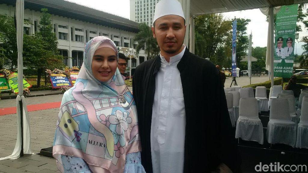 Kartika Putri Dampingi Habib Usman Hadiri Sertijab Ridwan Kamil