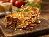 Tawarkan Lasagna Warna-warni Untuk Pesta Gender Reveal, Restoran Ini Dikritik