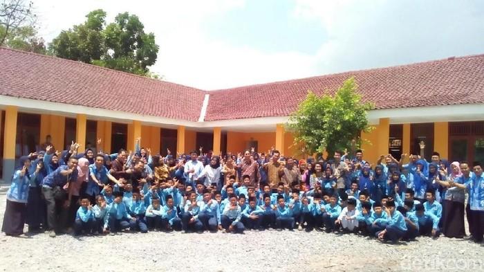 Gedung MTs bantuan Bank Mega di Toroh, Grobogan (Foto: Akrom Hazami/detikcom)