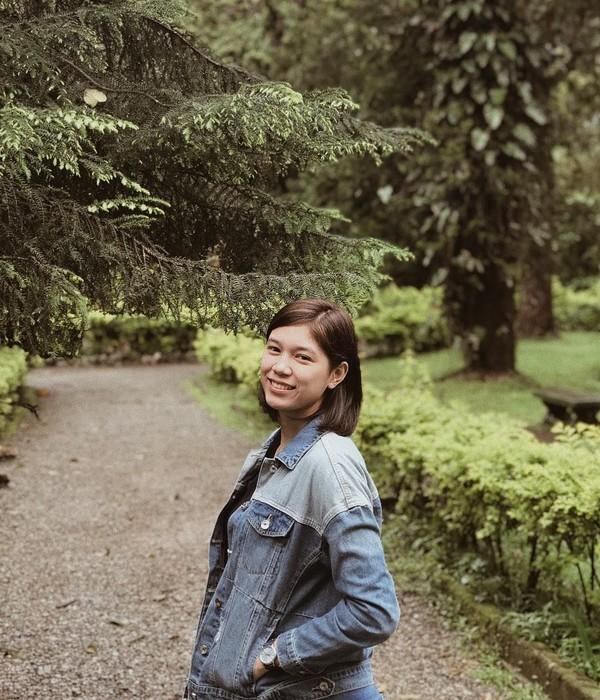 Di luar lapangan, gadis kelahiran 21 Juni 1994 ini juga suka liburan. (Instagram/@reyesmikaaa)