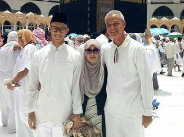 Keduanya dikaruniai anak laki-laki yang diberi nama Muhammad Zinedine Alam Ganjar. (Foto: Instagram @alamganjar)