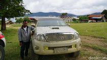 Kisah Sopir Pegaf: Bikin Jalan Sendiri hingga Bermalam di Hutan