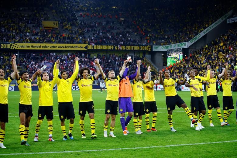 15. Dortmund jadi salah satu klub paling royal di Jerman dengan dana transfer senilai 63 juta pound sterling, atau sekitar Rp 1,23 triliun. Foto: Twitter/EASPORTSFIFA