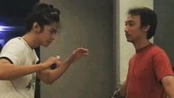 Pendekar Pemetik Bunga adalah tokoh fiksi dalam film Wiro Sableng terbaru. Diperankan oleh Hanata Rue yang oleh warganet disebut ganteng-ganteng cantik.