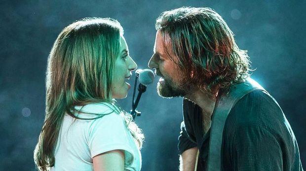 'A Star is Born', dari Produksi yang Kacau hingga Calon Pemenang Oscar
