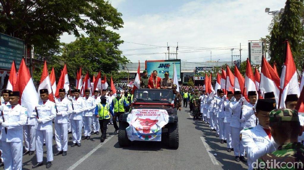 Pesilat Peraih Emas Asian Games Aji Bangkit Dikirab di Ponorogo