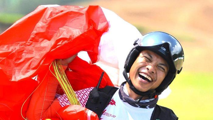 Hening Paradigma, atlet paralayang nasional berharap bonus rumah untuk emas Asian Games terwujud. (Tagor Siagian/Antara Foto/INASGOC)