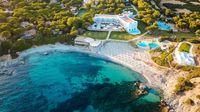 Falkensteiner Resort Capo Boi, salah satu resort di Sardinia (Booking.com)