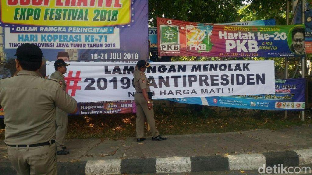 Spanduk Lamongan Menolak Tagar 2019GantiPresiden Dicopot
