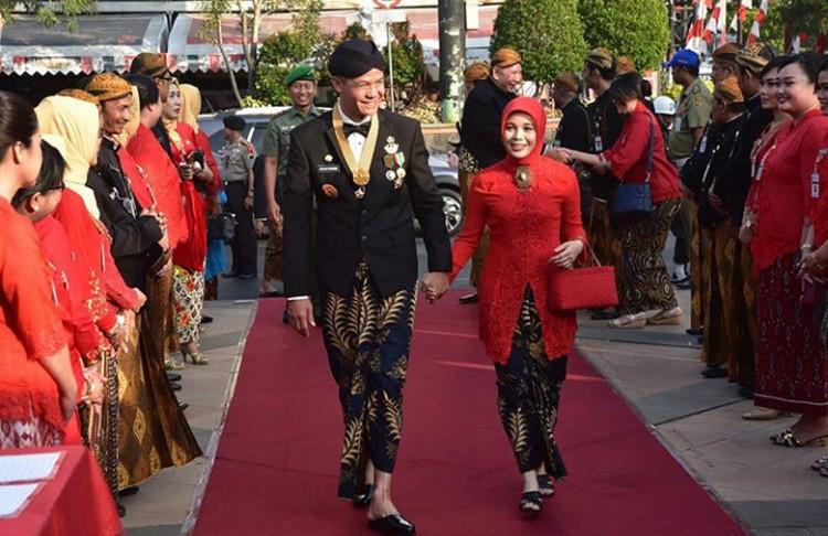 Ganjar Pranowo menikah dengan istrinya Siti Atiqoh Supriyanti pada tahun 1999. (Foto: Instagram @ganjarpranowo)