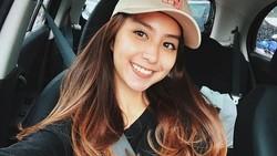 Clairine Clay yang dijuluki ratu meme Indonesia ini pun pilihan tersendiri untuk berolahraga. Apa ya yang jadi pilihan kekasih Joshua Suherman ini?