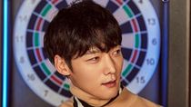 Si Bugar Jin-hyuk, Aktor Ganteng di Devilish Joy yang Hobi Golf